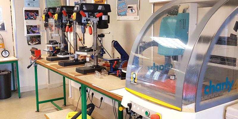 équipement-collège-Notre-Dame-du-Bon-Conseil salle de technologie